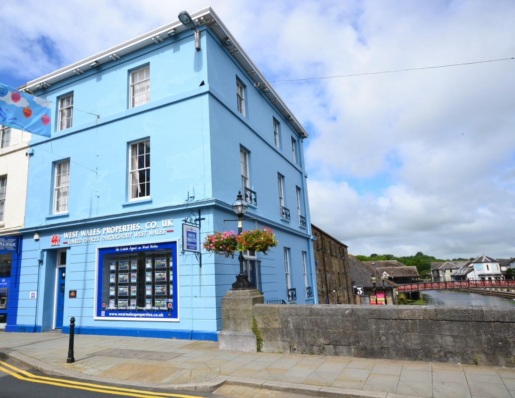 West Wales Properties Ammanford Sales